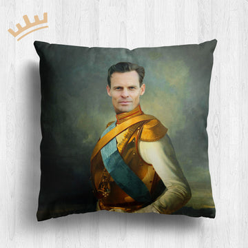 The King in Battle - Royal Pillow™