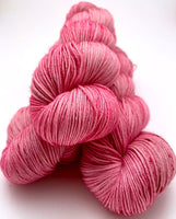 "Hand Dyed Yarn ""La Vie en Rose"" Pink Rose Blush Magenta Speckled Merino Fingering Superwash 438yds 100g"