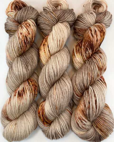 "Hand Dyed Yarn ""Caramel Mochaccino"" Brown Tan Caramel Copper Gold Yellow Red Chestnut Bluefaced Leicester BFL Silk Fingering Superwash 425yds 115g"