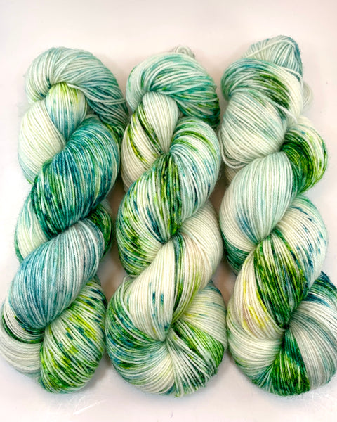 "Hand Dyed Yarn ""Viridescent"" Green Emerald Avocado Lime Yellow Speckled Polwarth Fine Fingering Superwash 438yds 100g"