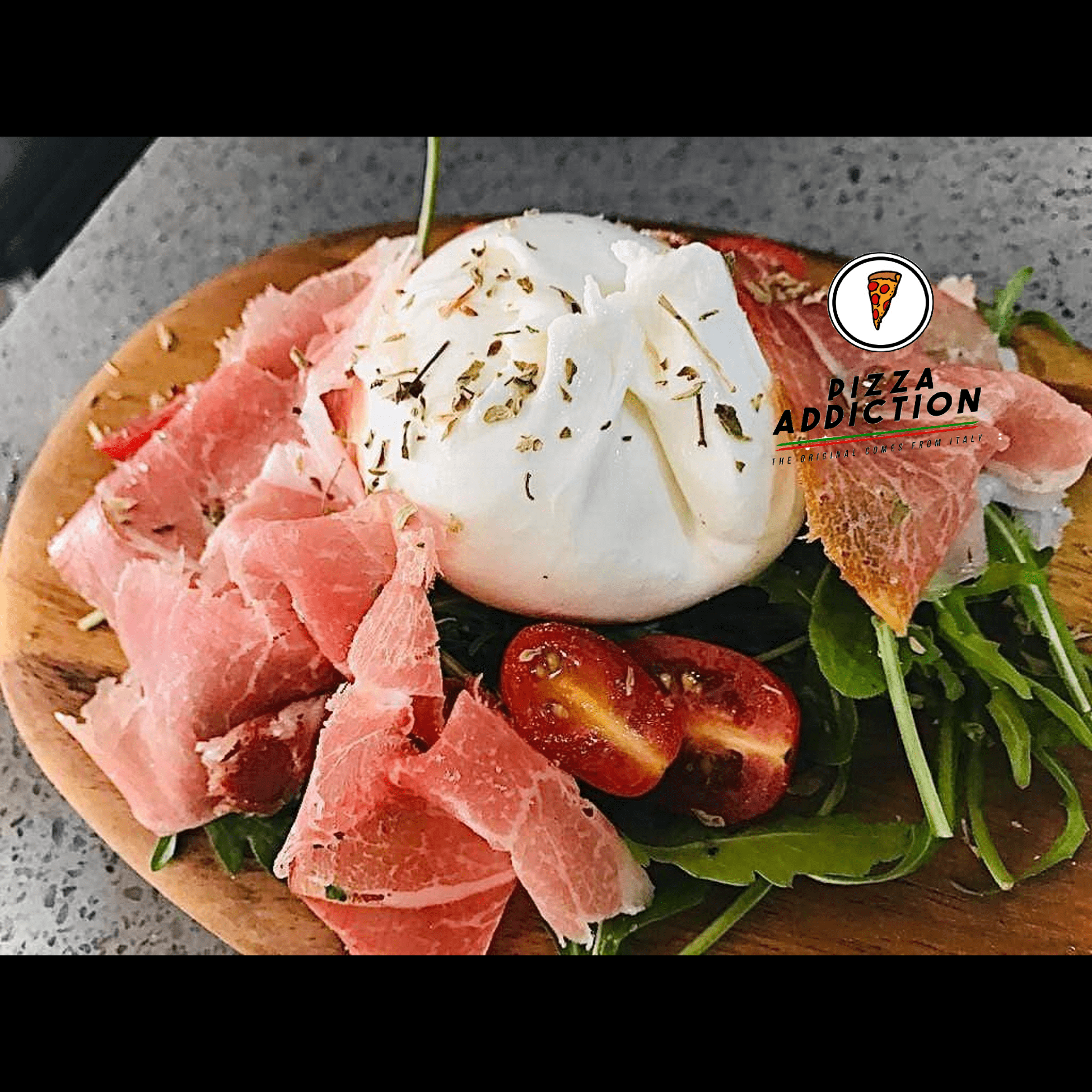 Super fresh burrata cheese that overflows with delicious milky content