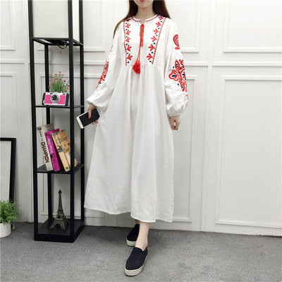 White Long Boho Dress With Embroidery chic