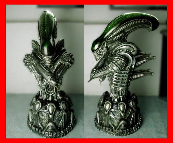Alien Bust with Clear Dome 1/2 resin model kit figures - indymodel88