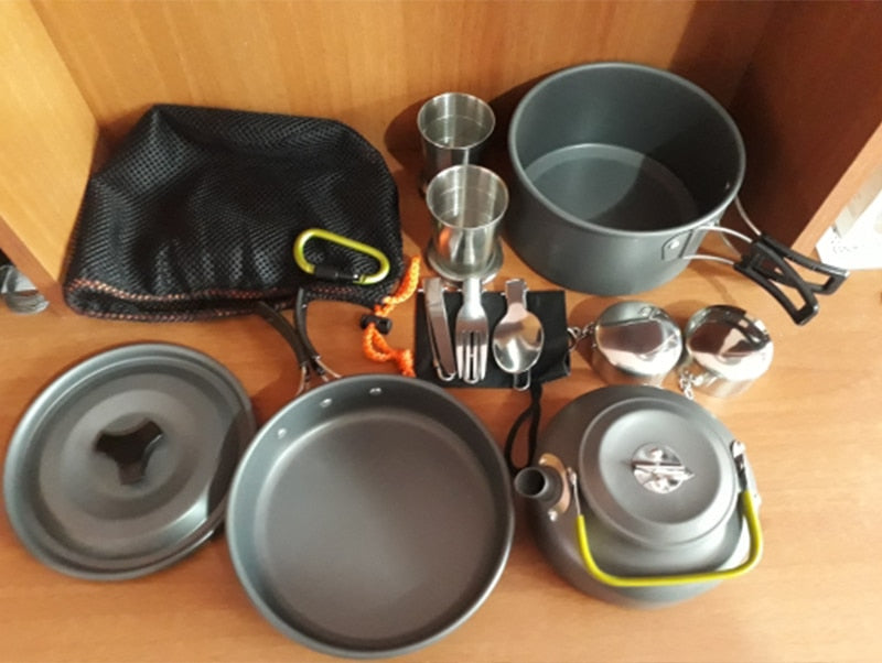 Complete Set of Non-stick Pots Pans and Tableware