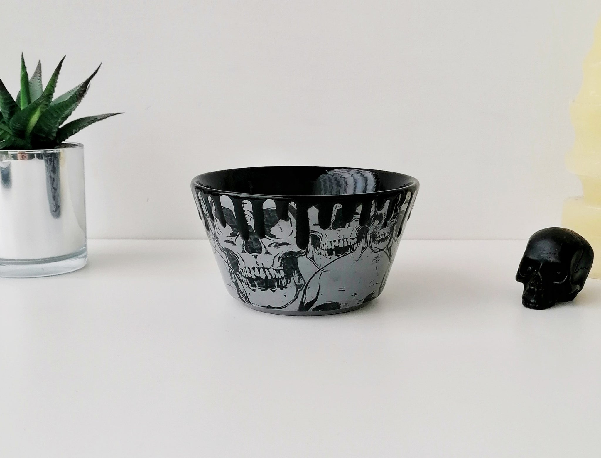 Grey Skull Snack Bowl