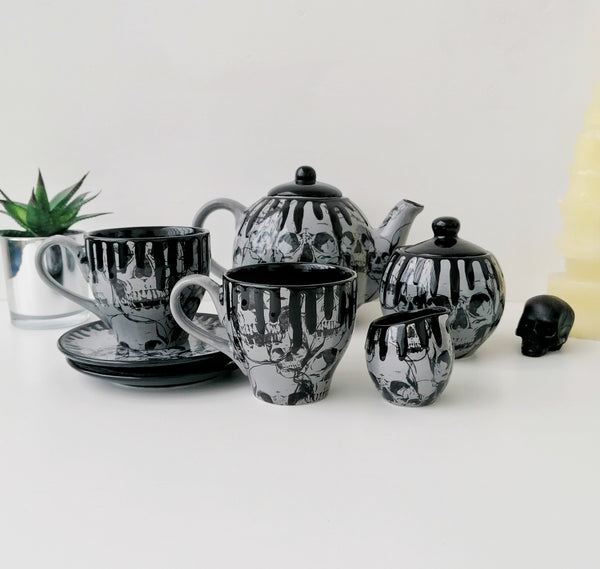 Grey Skull Tea Set