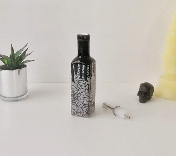 Grey Web Oil Bottle