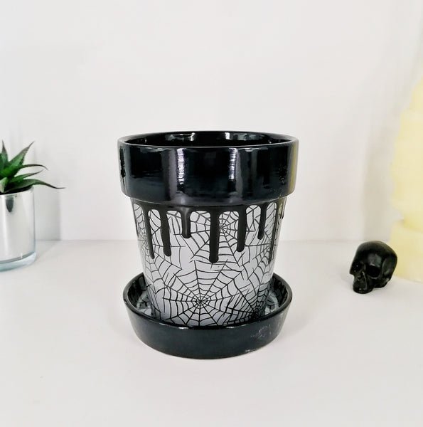 Grey Web Plant Pot