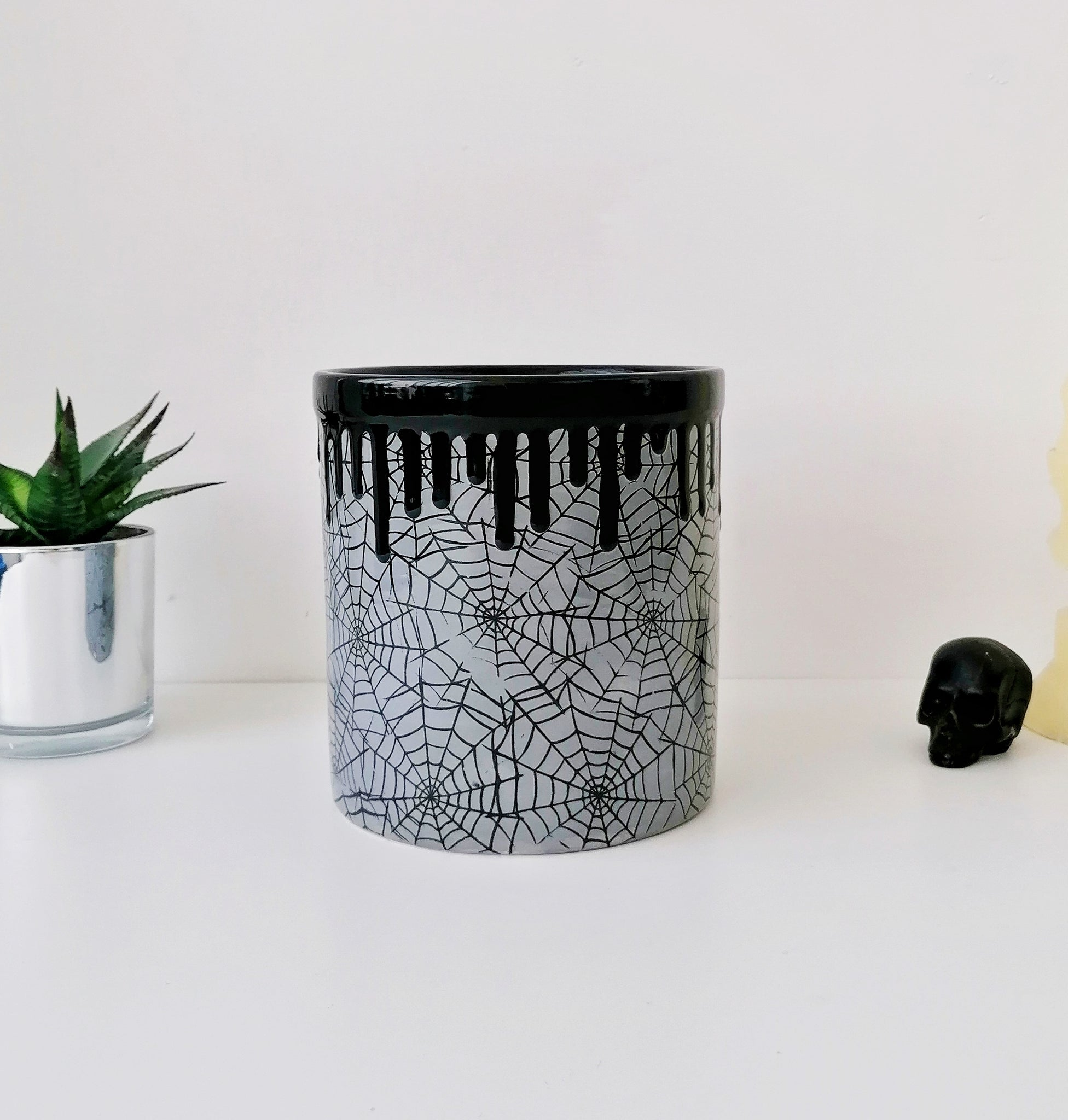 Grey Web Utensil Holder