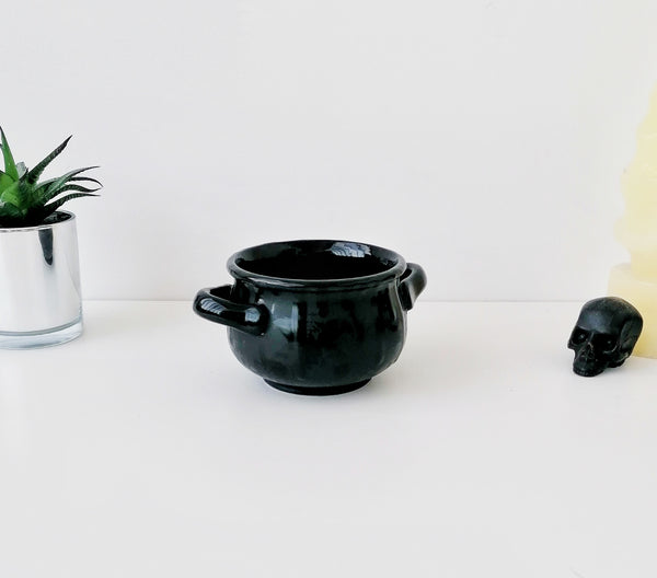 Matte Black Skull Small Cauldron