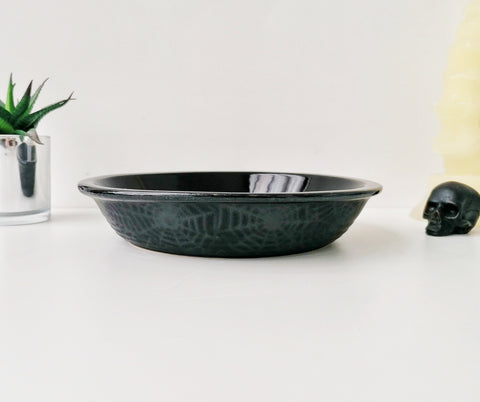 Matte Black Web Pie Dish