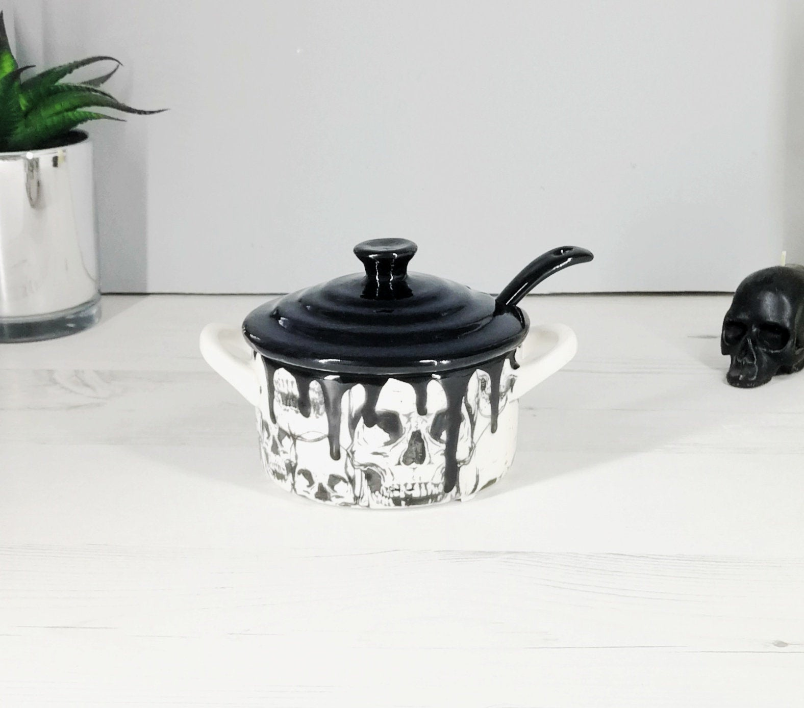 Skull Condiment Pot With Spoon