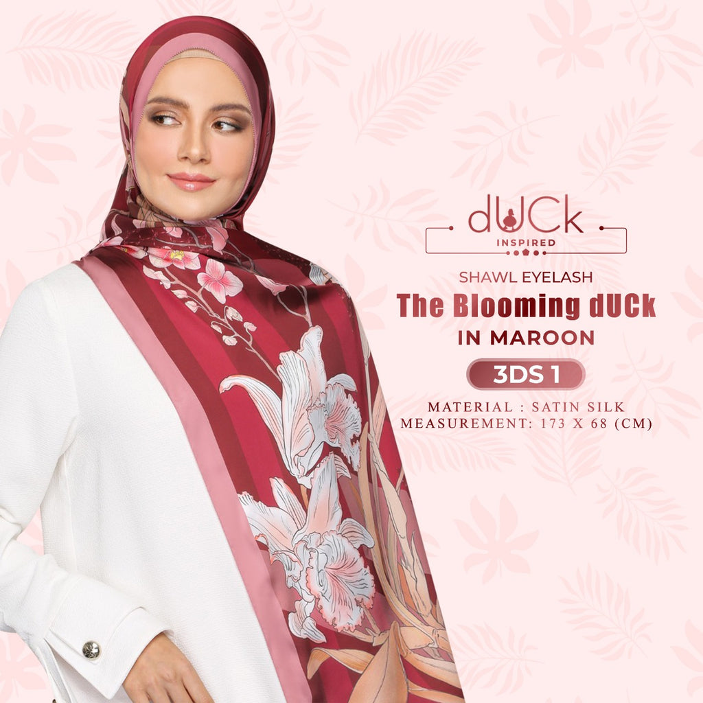 The Blooming dUCk Shawl Eyelash Collection