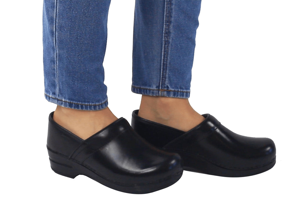 Sanita Addison Women's Cabrio Black Nursing Medical Clog