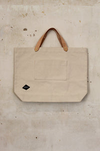Natural Cotton Bag with leather handles, front view with pocket