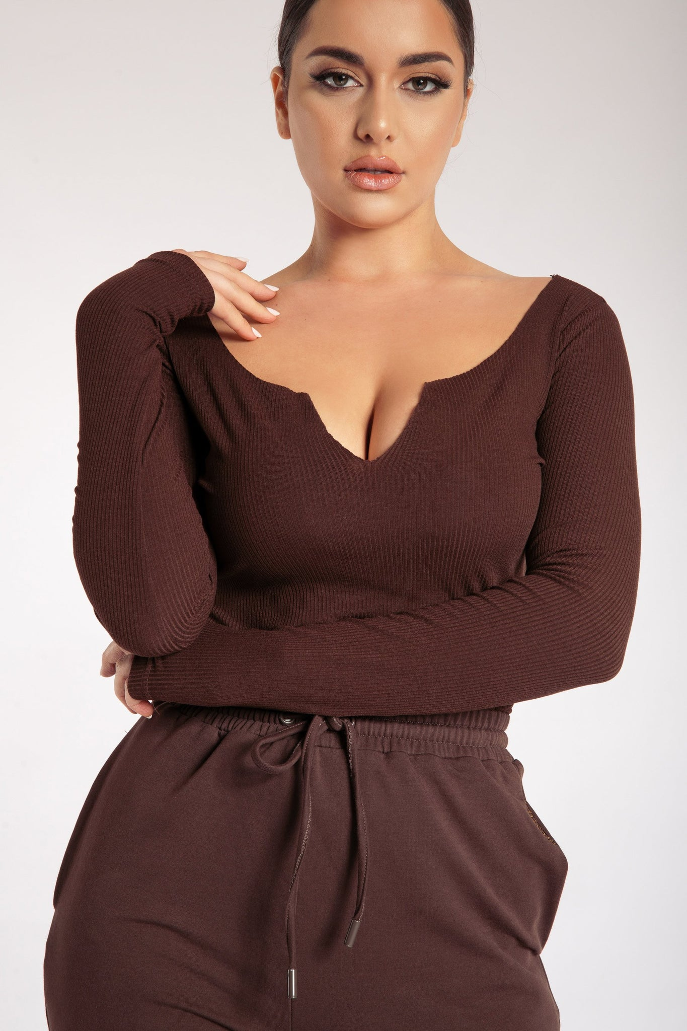 Malene V-Neck Ribbed Long Sleeve Bodysuit - Chocolate - MESHKI