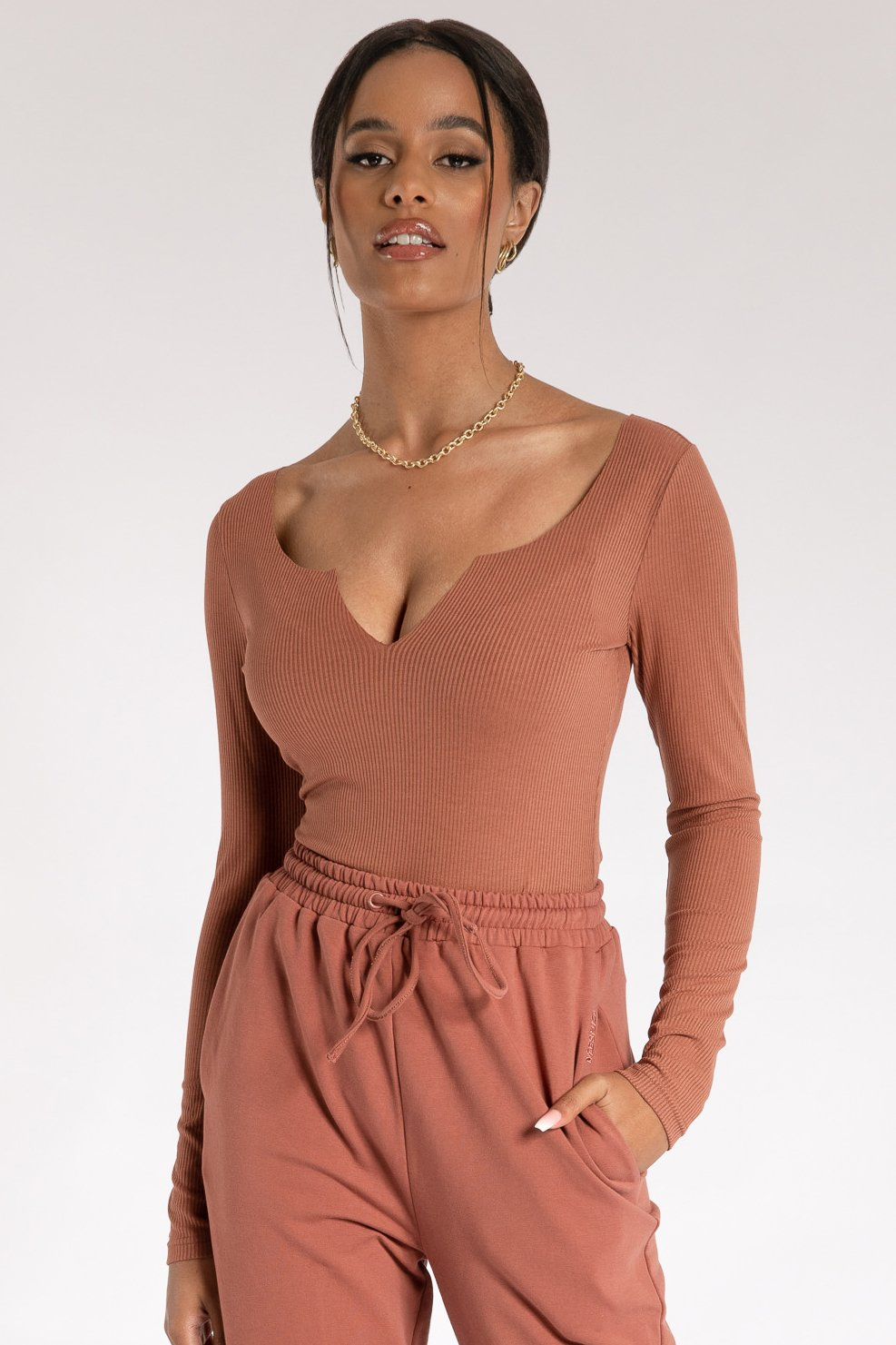 Malene V-Neck Ribbed Long Sleeve Bodysuit - Sienna - MESHKI