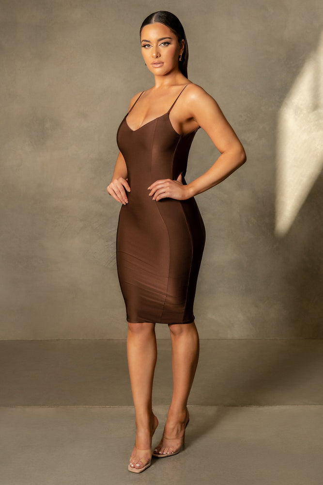 Marilyn Thin Strap Back Bodycon Midi Dress - Chocolate - MESHKI
