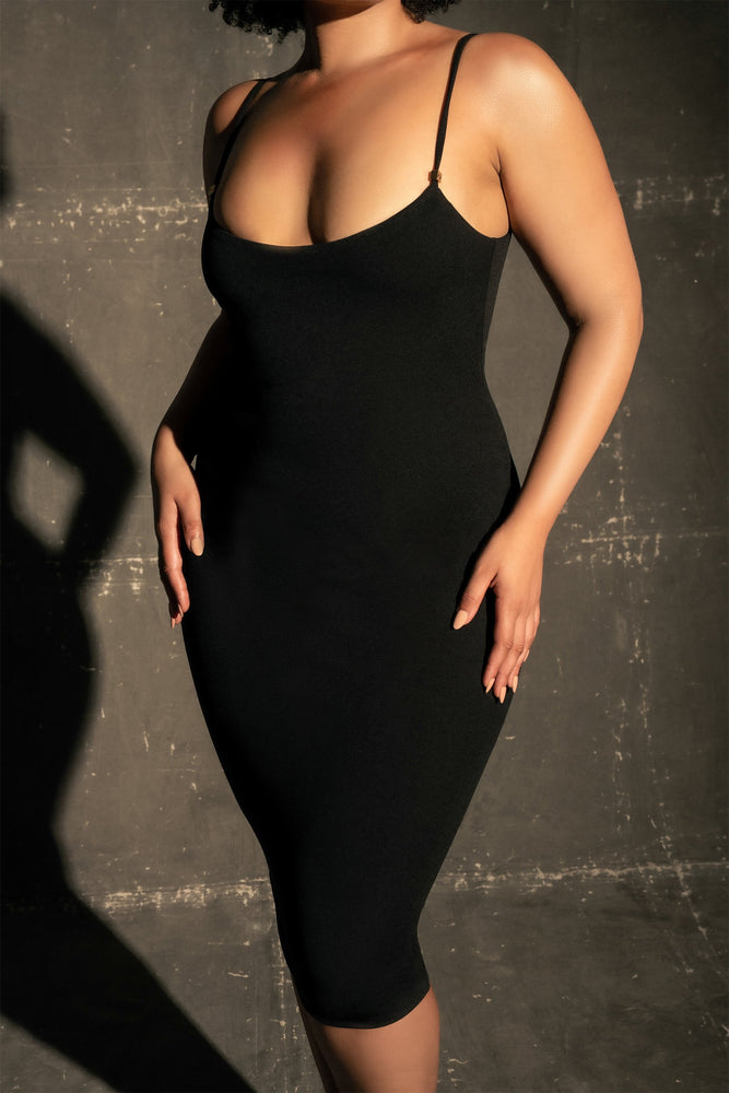 Carrie Contour Crepe Bodycon Dress - Black
