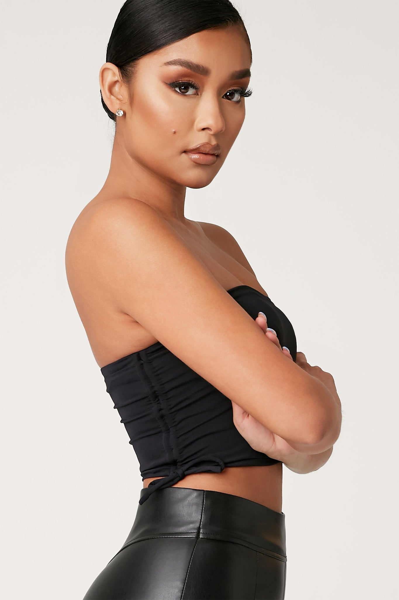 Jene Ruche Side Strapless Crop Top - Black - MESHKI