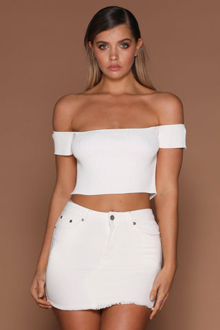 Callie Off-Shoulder Knitted Crop - White - MESHKI