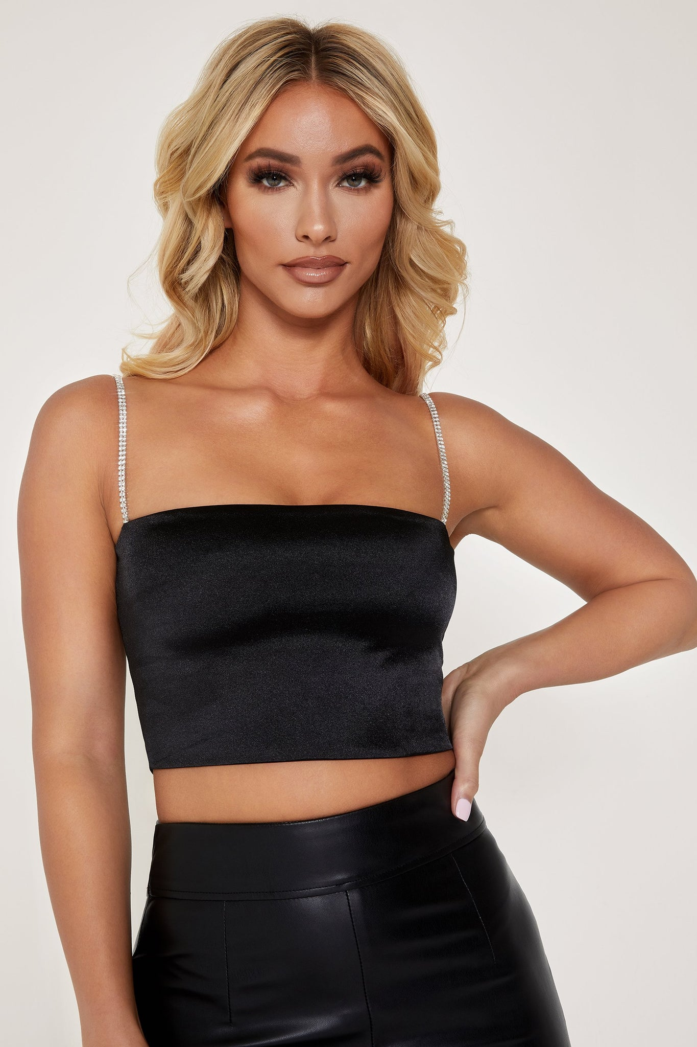 Yvonne Diamante Crop Top - Black - MESHKI