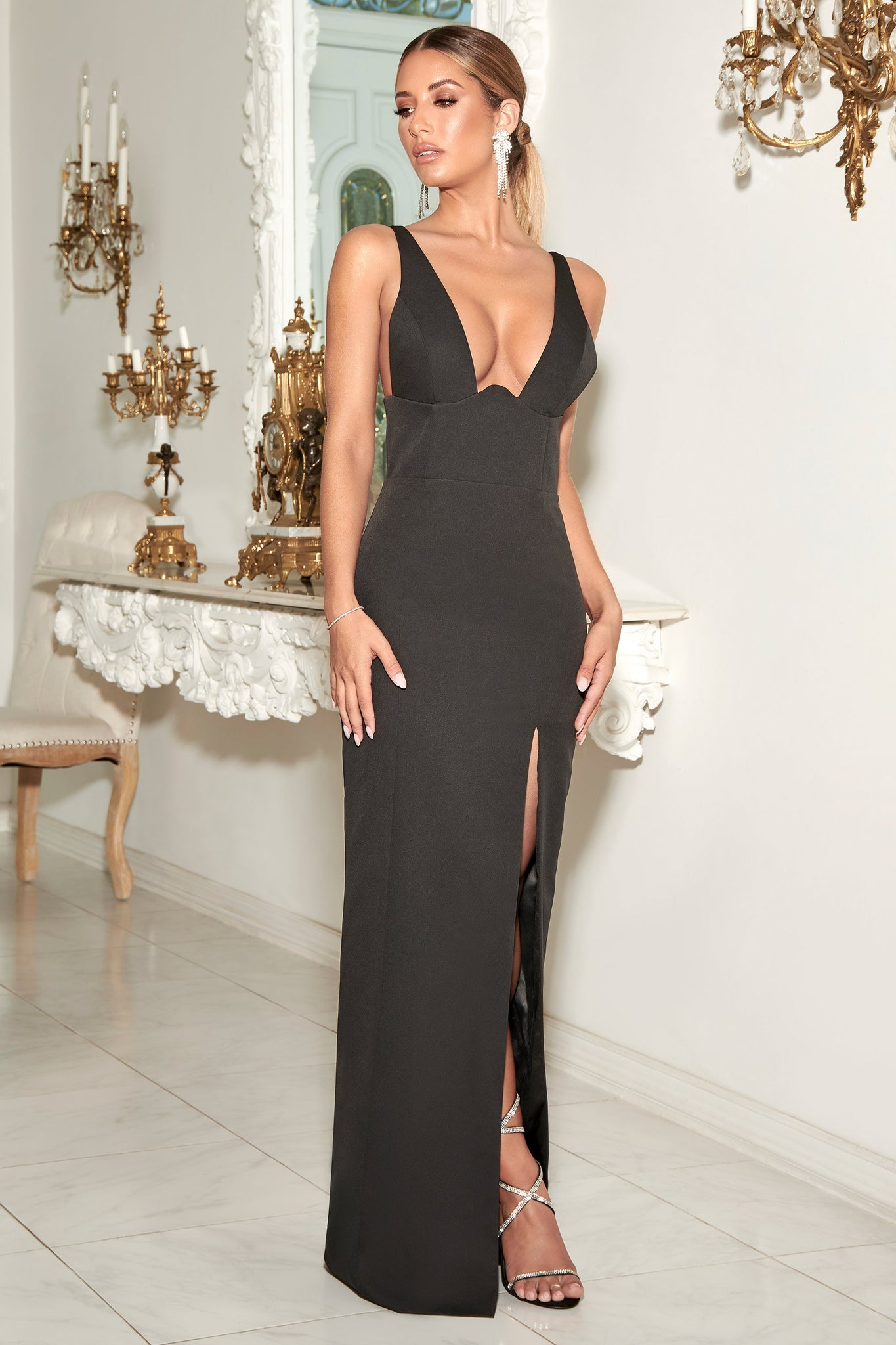Lillian Corseted Fitted Gown - Black - MESHKI