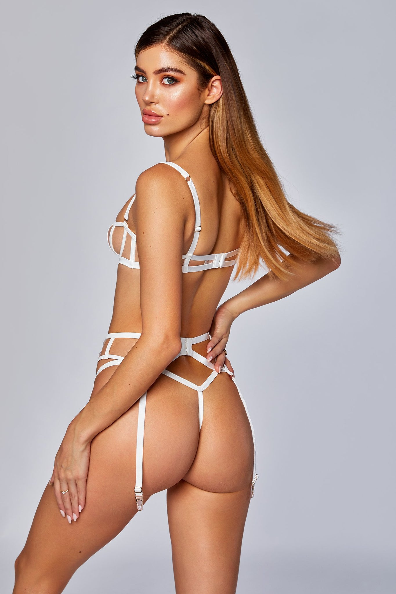 Taylor Mesh & PU Leather V-String - Ivory - MESHKI