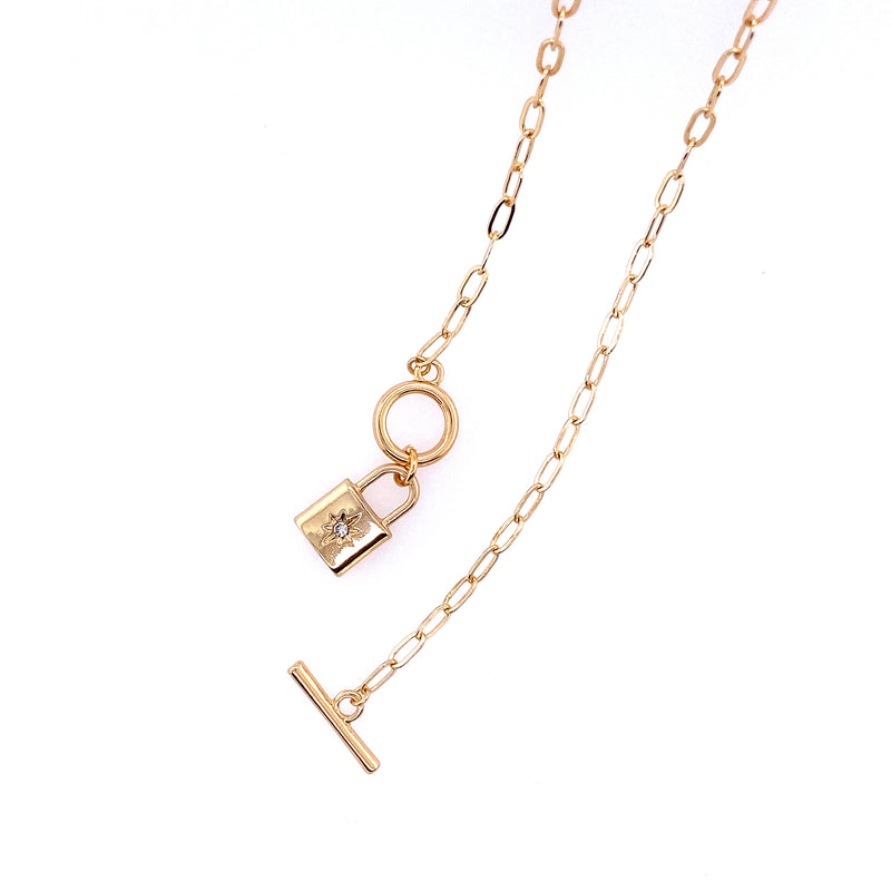 Link Toggle Necklace With Lock Pendant