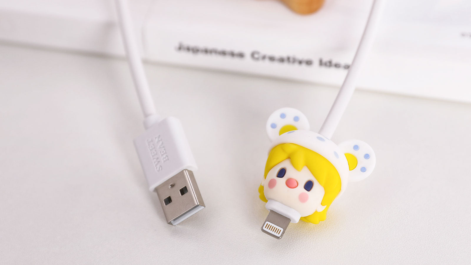 https://cdn.shopify.com/s/files/1/0339/7091/3412/files/2-1_POP_MART_Sweet_Bean_Animal_Babies_USB_Cable.jpg?v=1619680815