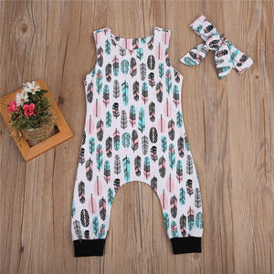 Pastell Feather Onesie mit Stirnband