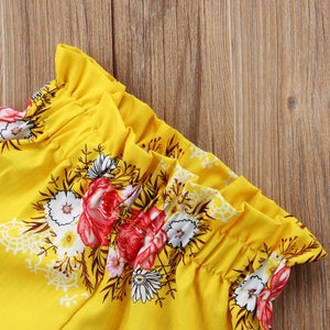 Gelbe Blumen Top Shorts Outfit