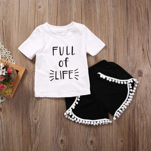 Full Life T-Shirt Pomponhose Outfit
