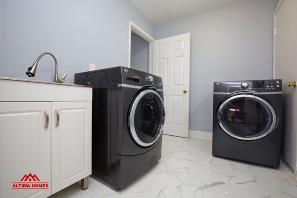 Whole Home Renovation Laundary Room - Altima Homes Inc.