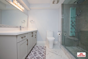 Luxurious Basement Bathroom - Altima Homes Inc.