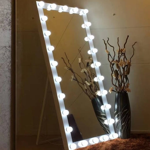 Dressing Hollywood Mirror