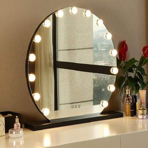 Hollywood Mirror with Light Bulbs