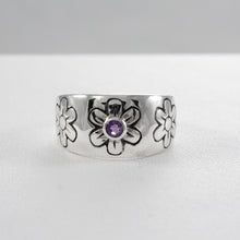 画像をギャラリービューアに読み込む, flower ring with genuine green agate set in 925 sterling silver, beautiful ring for women - SUVARNASILVERCO.,LTD