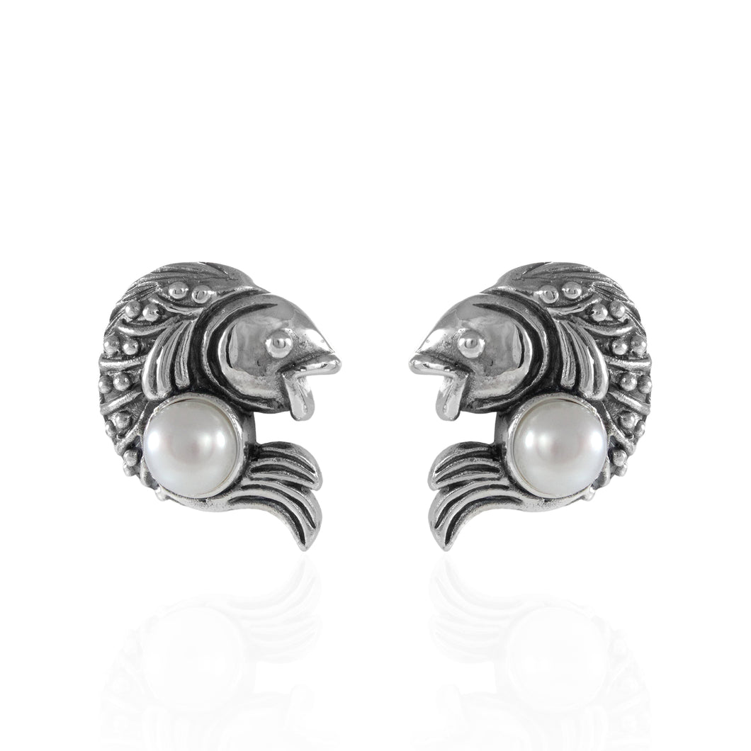 Coin fish design ear stud with natural freshwater pearl set in 925 sterling silver - SUVARNASILVERCO.,LTD