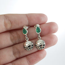 画像をギャラリービューアに読み込む, Genuine green agate dangle drop earrings set in 925 sterling silver, beautiful earring for woman - SUVARNASILVERCO.,LTD