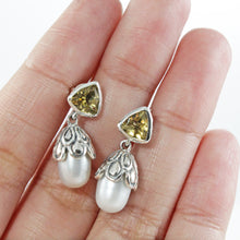 Load image into Gallery viewer, 925  Sterling Silver Earstud with Genuine Gemstone  and Fresh Water Pearl
