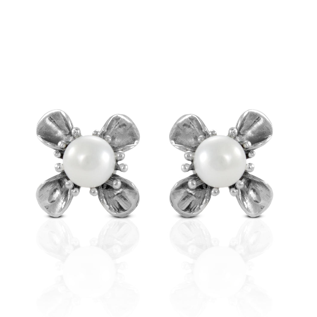Flower stud earring with natural white freshwater pearl set in 925 sterling silver - SUVARNASILVERCO.,LTD