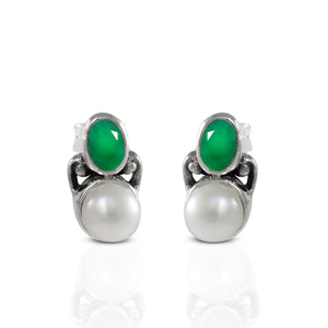 Genuine emerald set in 925 sterling silver minimal stud earring, beautiful stud earring for woman - SUVARNASILVERCO.,LTD