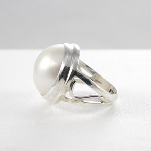 Genuine round white mabe pearl ring set in 925 sterling silver, 15mm round mabe pearl ring - SUVARNASILVERCO.,LTD