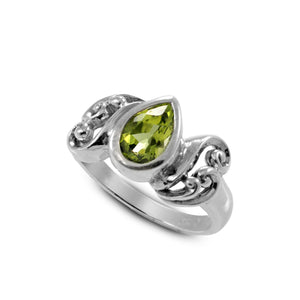 Filigree Bali design with natural peridot ring set in 925 sterling silver - SUVARNASILVERCO.,LTD