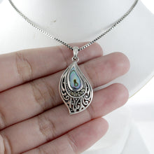 画像をギャラリービューアに読み込む, Filigree on Ocean Design 925 Sterling Silver Pendant with Mother Pearl of Shell - SUVARNASILVERCO.,LTD