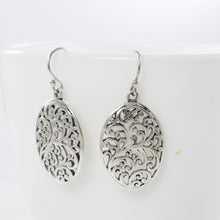 画像をギャラリービューアに読み込む, Daun Bali Design 925 Sterling Plain Silver Earring - SUVARNASILVERCO.,LTD
