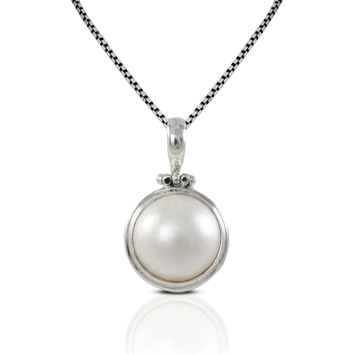natural round white mabe set in 925 sterling silver pendant, 16 mm - SUVARNASILVERCO.,LTD