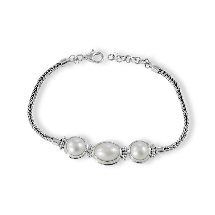 Genuine white mabe pearl set in sterling silver barcelet, 925 sterling silver bracelet - SUVARNASILVERCO.,LTD