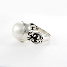 画像をギャラリービューアに読み込む, genuine round white mabe ring with wide band set in 925 sterling silver, - SUVARNASILVERCO.,LTD